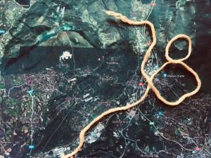 Carte de la région dancewalkée et fil de laine en forme de trajet