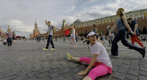 Москва.Dancewalk (2017) - Échapper à la police sur la Place Rouge, Moscou, Russie